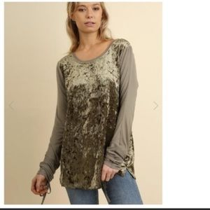 Umgee Velvet Ruched Tie Sleeve Top Like New Small